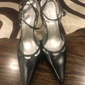 BCBG MaxAzria black heels/slingbacks